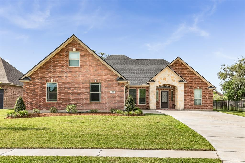 58 Deerwood Court, Lake Jackson, TX 77566