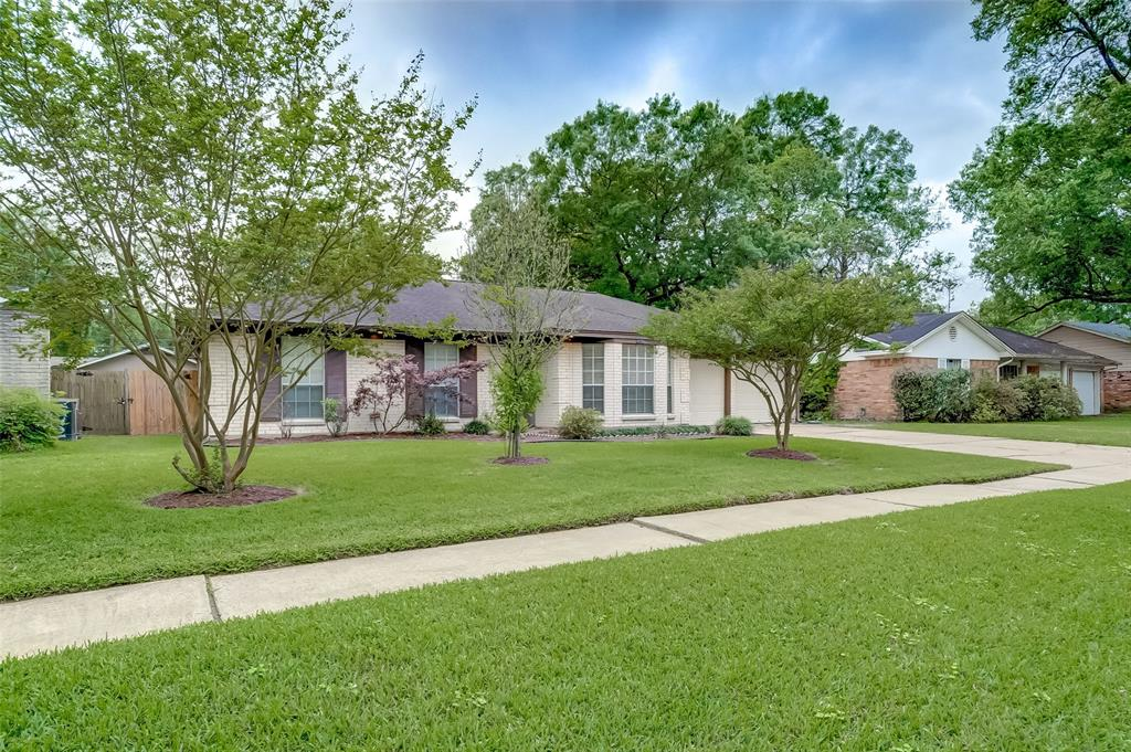 14206 Roundstone Lane, Houston, TX 77015