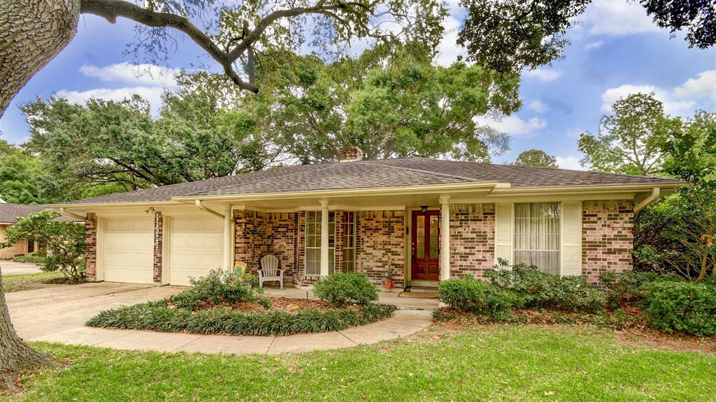 11907 N Hanworth Drive, Houston, TX 77031