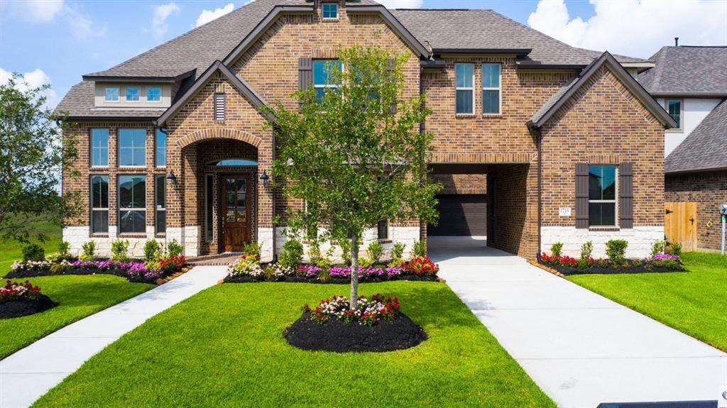1716 Waterlilly River Lane, League City, TX 77573