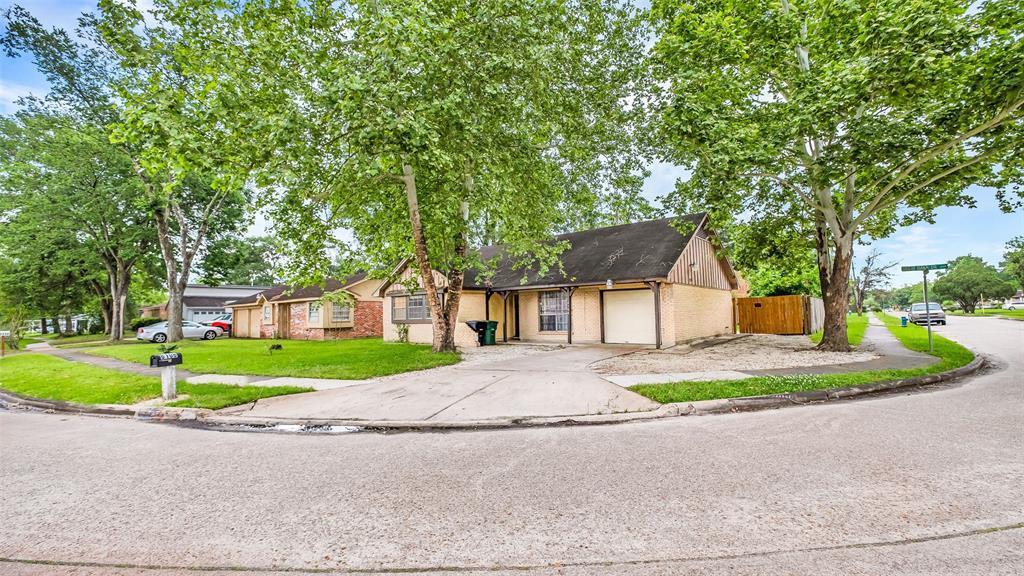 6106 Great Oaks Drive, Houston, TX 77050