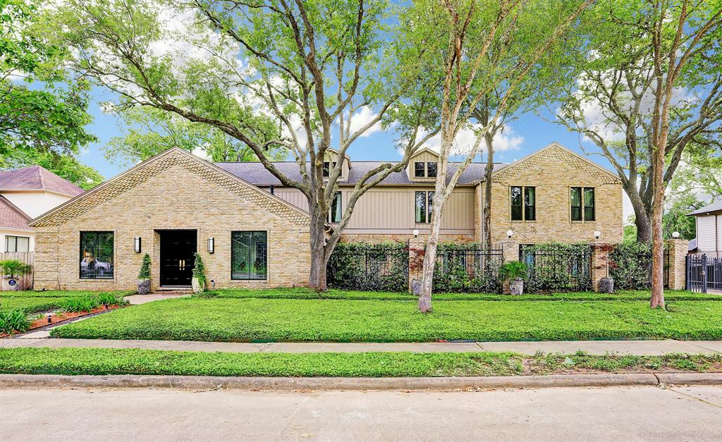 16310 Brook Forest Drive, Houston, TX 77059