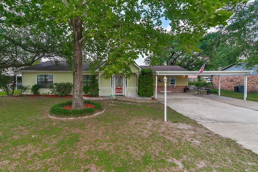 509 Julie Lane, Highlands, TX 77562