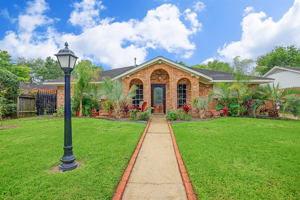 12210 Lancelot Drive, Houston, TX 77031