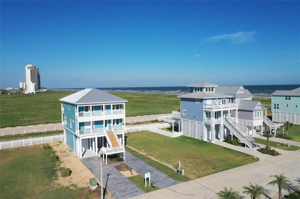 58 Grand Beach Boulevard, Galveston, TX 77550