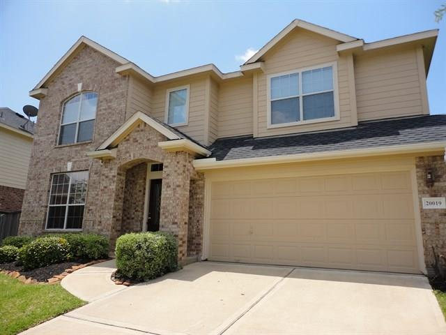 Move in ready home in great location and amazing neighborhood! Loaded with features that will make you smile!! Make this home your dream home!