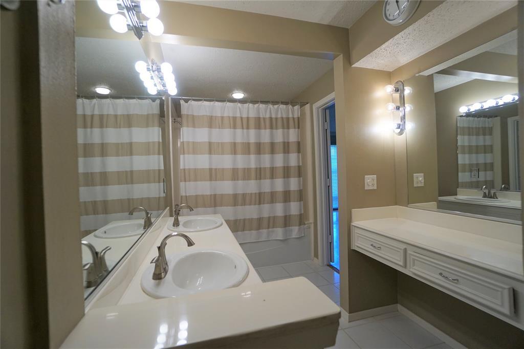 sold 3502 burlington street 5 houston tx 77006 2 beds 2 full baths houston tx nan and company properties