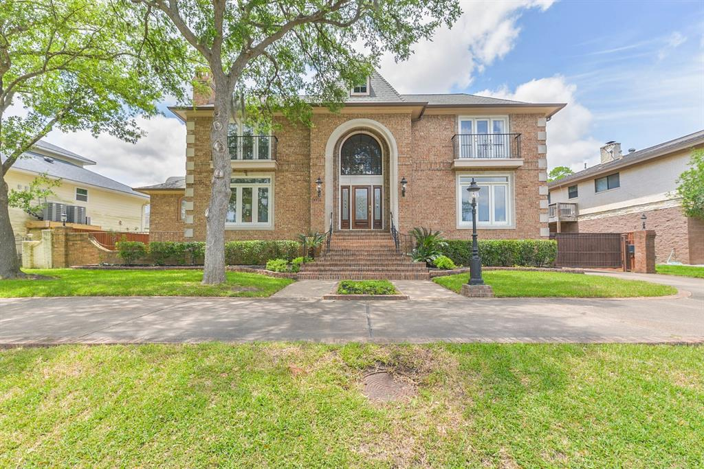 18718 Upper Bay Road, Houston, TX 77058