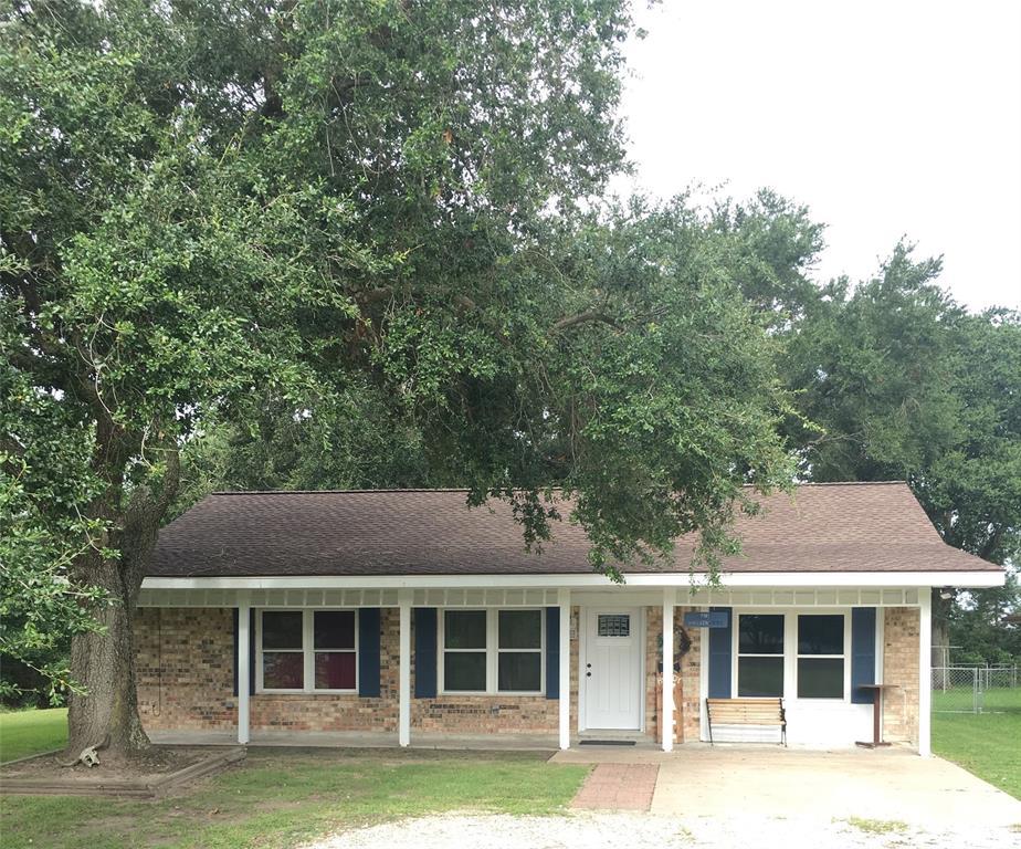 1450 W Palm Drive, Winnie, TX 77665