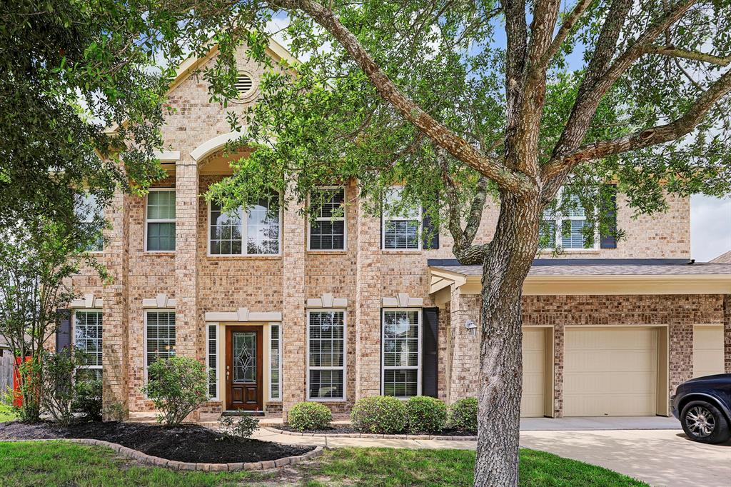 Stunning 2 story 5/3.5/3 home in the beautiful and very desirable Pearland Park Estates community! Open extended entry. Study with french doors to the right and living room/sitting area to the left. Formal dining room to the left. Gorgeous tile wood-like floors running throughout the home. Gourmet kitchen with island, breakfast bar, granite counter tops, 42'' cabinets, stainless steel appliances, and walk in pantry.  Kitchen overlooks the family room with 2 story ceilings and gas fireplace. Amazing master suite with walk in closet, double sinks, vanity, shower and separate soaking tub. Second floor features 4 bedrooms, 2 bathrooms, game room and media room. Private over-sized backyard with gorgeous in ground pool and tons of green space, great for entertaining guests! Call today for your private showing.