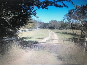 2100 Pine Knoll Road, Bay City, TX 77414