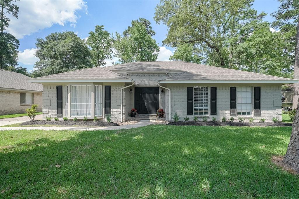 Location is AMAZING!Close to I-45 with Woodlands schools!Home has been freshly painted inside and out. New landscaping and it sits on a quiet street in sought after Shenandoah. This home has a brick corner fireplace in the family room with spacious open floor-plan!Large fenced in yard big enough for a pool on a tree lined street!The neighborhood has new parks and a community pool!This home is a must see!