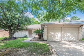 10606 Den Oak, Houston TX 77065