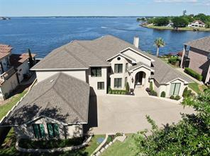 155 Waterfront Drive, Montgomery, TX 77356