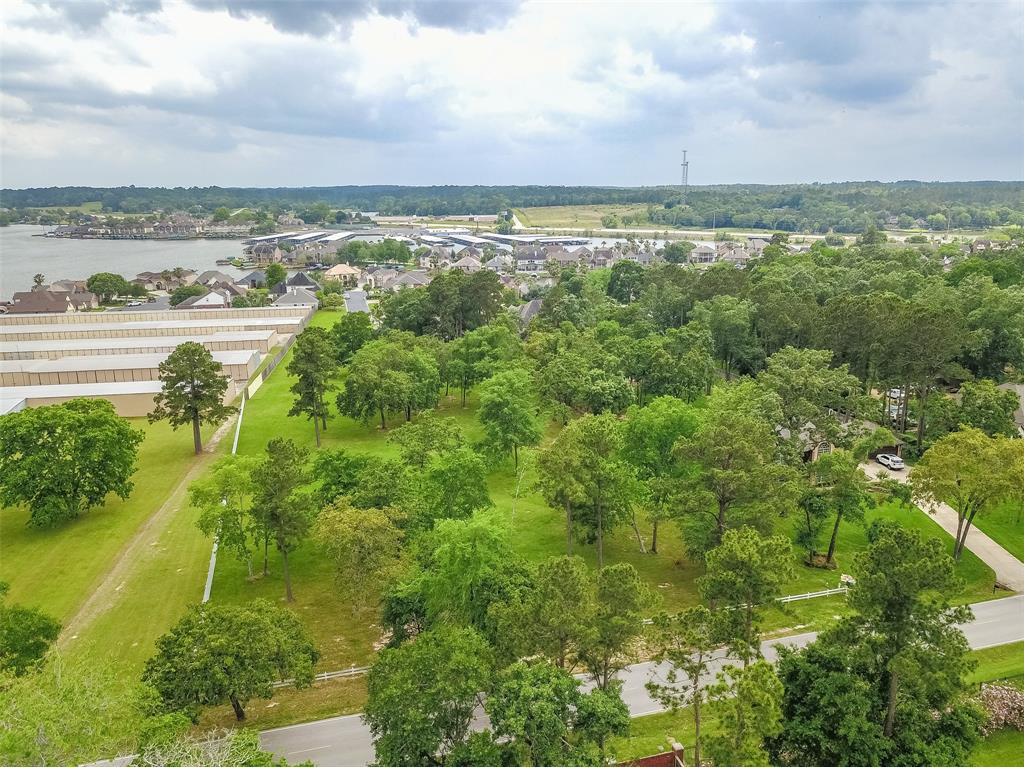 Lake Conroe is VERY nearby, plus shopping, boat storage, schools, restaurants and groceries.