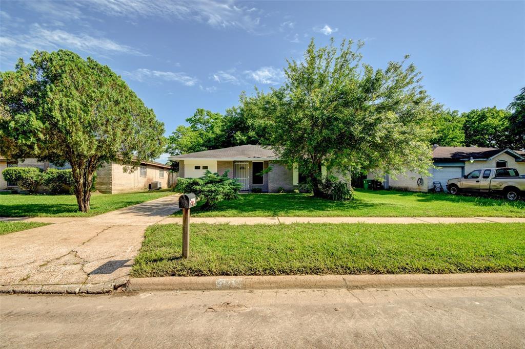 5142 Castlecreek Lane, Houston, TX 77053