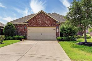 636 Pedernales Street, Webster, TX 77598
