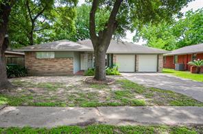 4915 Hialeah Drive, Houston, TX 77092