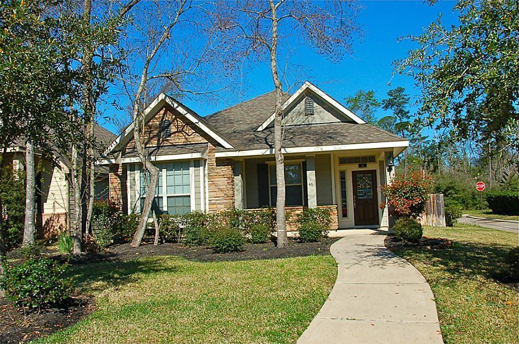 Craftsman style home in enchanting front-porch neighborhood. Spacious open plan, high ceilings, lots of windows, front porch & covered rear patio. Upgraded stone elevation, rear entry garage, sprinkler sys, Environments For Living Certified! Large master bedrm features window seat, ceiling fan, walk-in closet + bathrm w/dual sinks, separate tub/shower. Fantastic open kitchen w/bfast bar, center island, stainless appliances, gas range, 42'' cabinets + built-in desk. Close to playground, flex school, golf and area attractions.