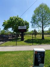 1824 berry road, houston, TX 77093