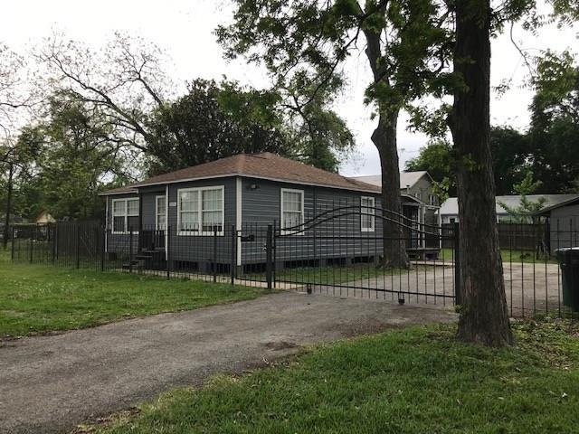 929 Dorchester Street, Houston, TX 77022