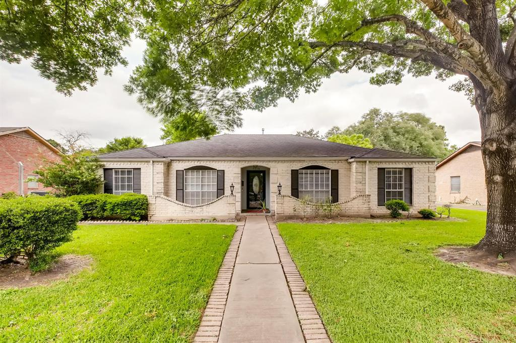 7718 Gulfton Street, Houston, TX 77036