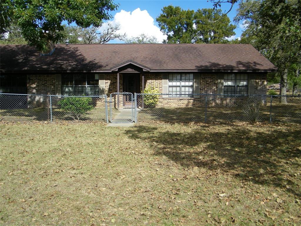 1459 Shaws Bend Road, Columbus, TX 78934