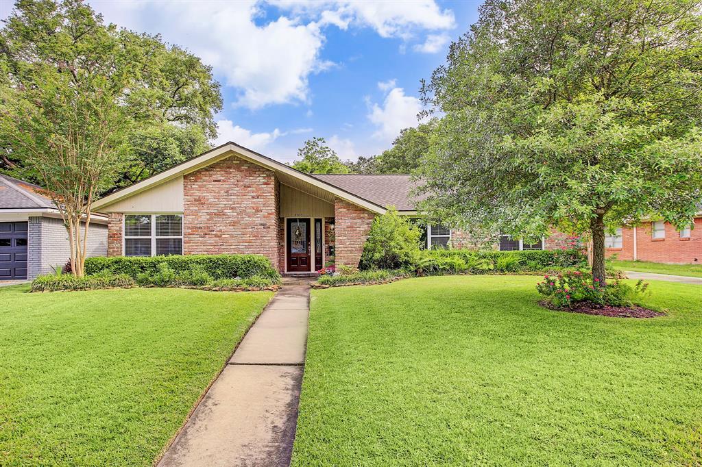 4509 Creekbend, Houston, TX 77035
