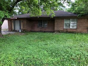 510 present street, stafford, TX 77477