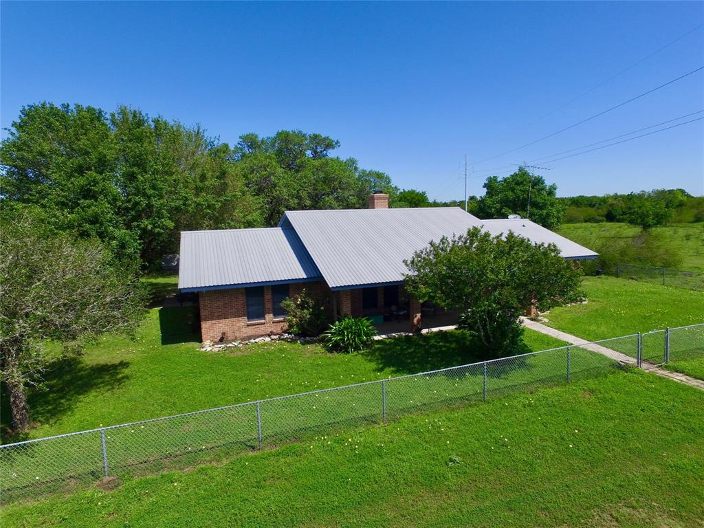 1018 County Road 322, Yoakum, TX 77995