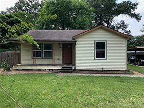 704 Maple Avenue, Cleveland, TX 77327