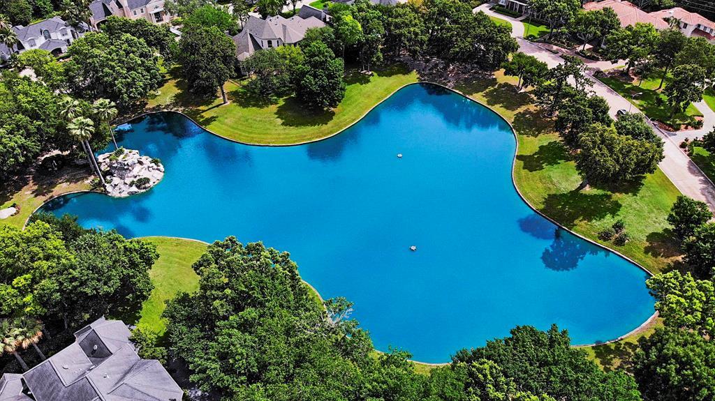 903 Enclave Lake Dr Drive, Houston, TX 77077