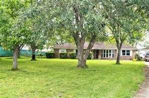 3030 County Road 62, Rosharon TX 77583