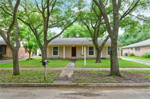 12219 Meadow Berry Drive, Meadows Place, TX 77477
