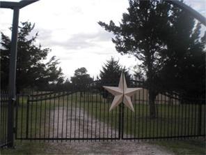 18643 Mathis Road, Waller, TX 77484