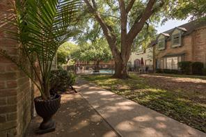 14723 Barryknoll Lane #107, Houston, TX 77079