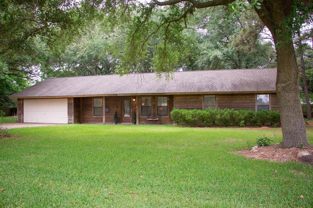 536 W Leblanc Street, Winnie, TX 77665