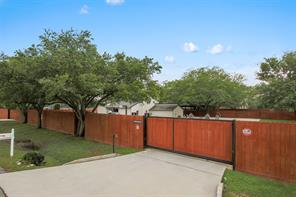 8500 Wateka Drive, Houston, TX 77074