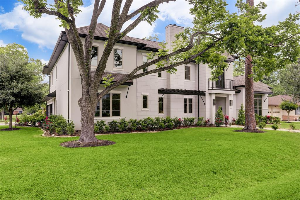 8746 Tollis Street, Houston, TX 77055
