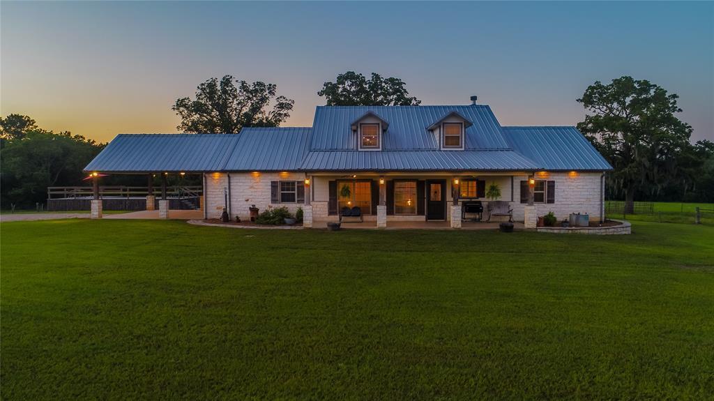 101 Bird Farm Road, Huntsville, TX 77320