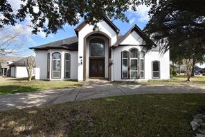 1601 Country Club, Friendswood, TX 77546