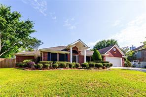 3901 Oak Wood N Drive, Pearland, TX 77581