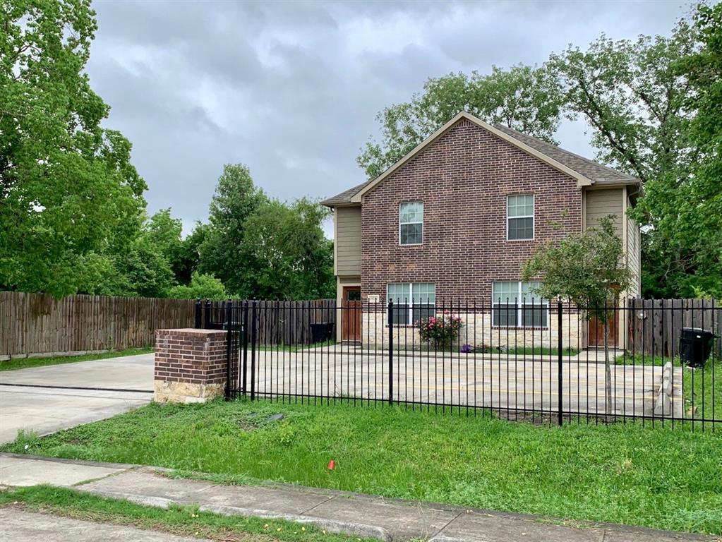 10022 Raymondville Road, Houston, TX 77093
