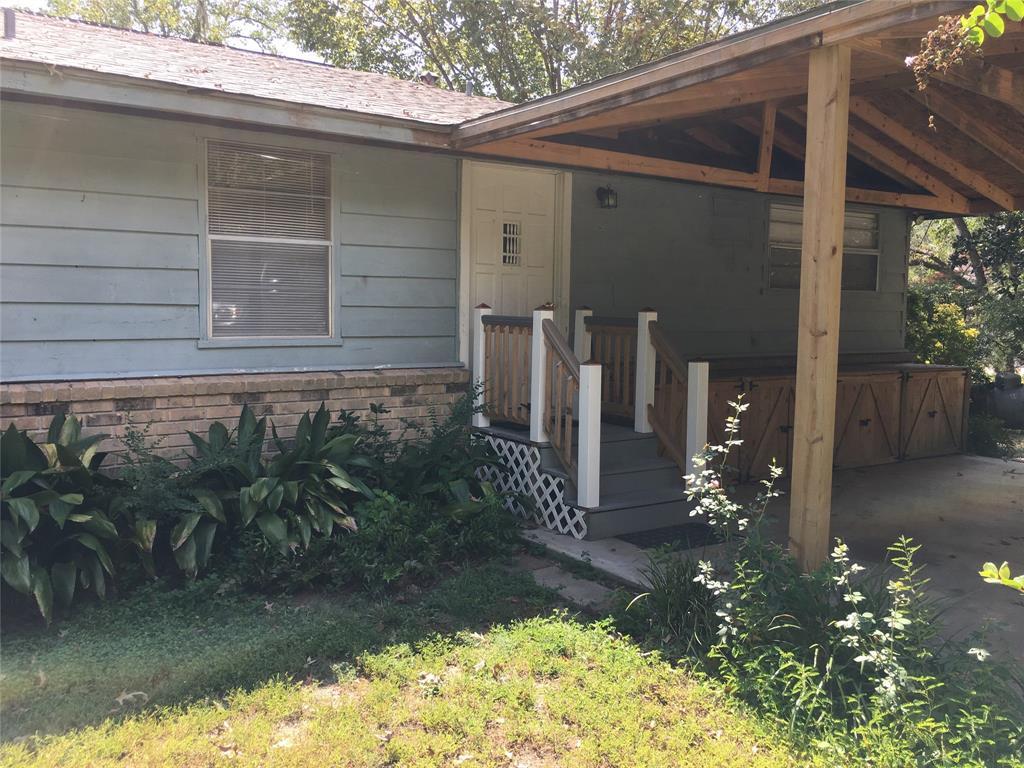 239 Spring Creek Drive, Goodrich, TX 77335