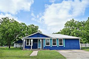 407 W Sarah Street, Cuero, TX 77954