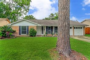 6926 Pine Grove, Houston TX 77092