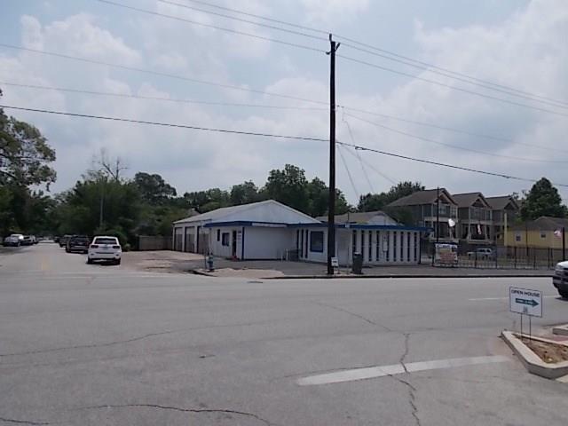 1718 N Shepherd, Houston, TX 77008