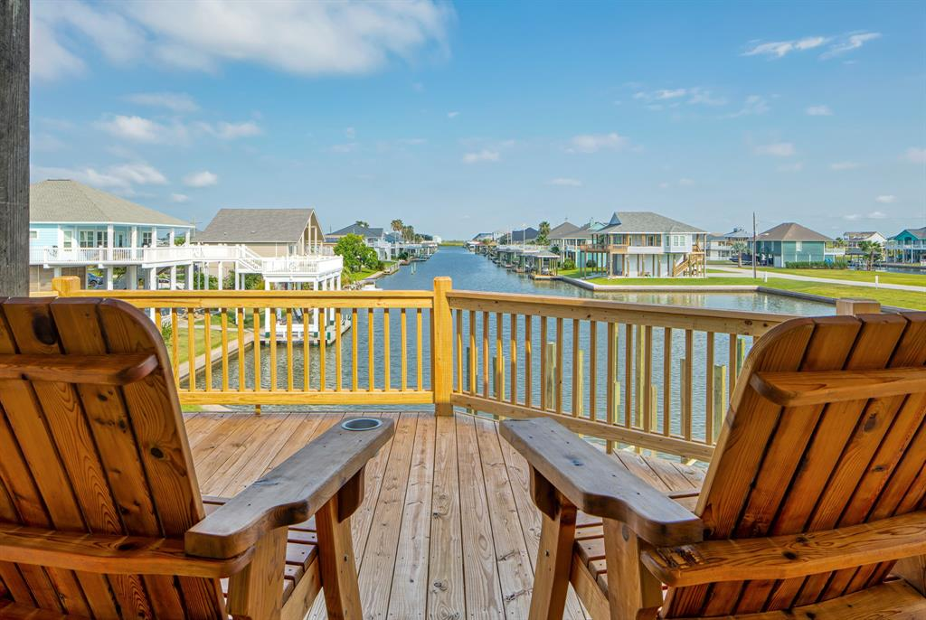 1145 Waterview Lane, Crystal Beach, TX 77650