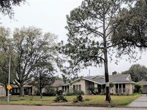 10810 Braes Bayou, Houston TX 77071