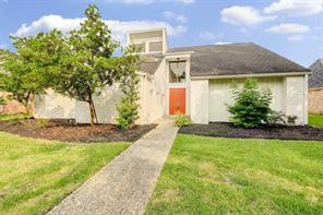 915 Daria Drive, Houston, TX 77079